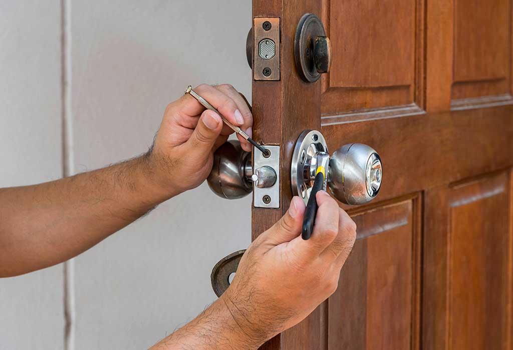 Fixing Door Locks